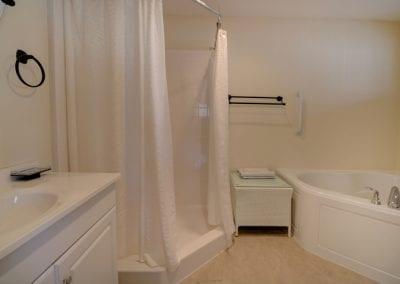 Ledge Lane Bath With Shower