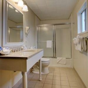 Room 18 Bath